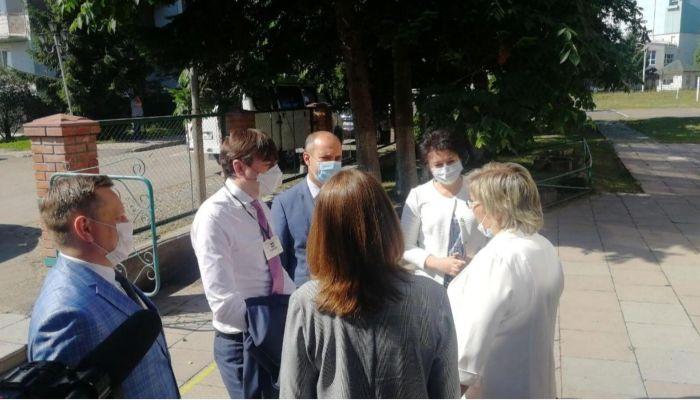 В Алтайский край приехал министр просвещения РФ Сергей Кравцов