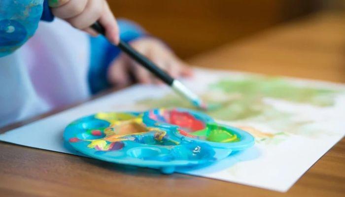 Роспотребнадзор до конца года запретил проводить праздники в детсадах и школах
