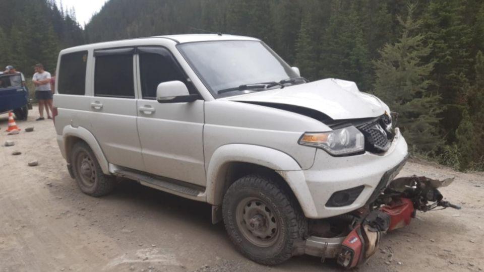 Водитель и пассажир мотоцикла разбились на Алтае