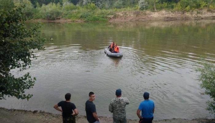 Тела двоих детей нашли в реке на Алтае, поиски третьего ребенка продолжаются