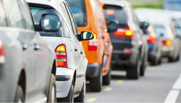 Барнаульцы жалуются на пробки из-за нерабочих светофоров на Павловском тракте
