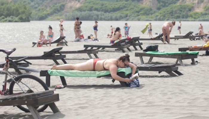 Поплаваем: в Алтайском крае официально открыли пляжи