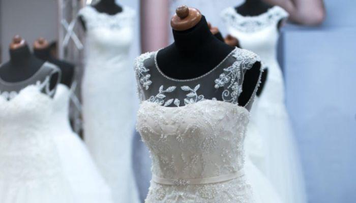 Жительница Барнаула лишилась денег, пытаясь продать свое свадебное платье