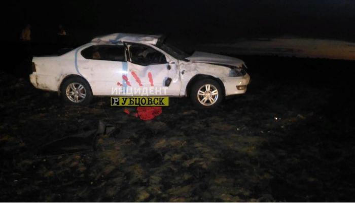 На Алтае 39-летняя женщина-водитель погибла в ДТП