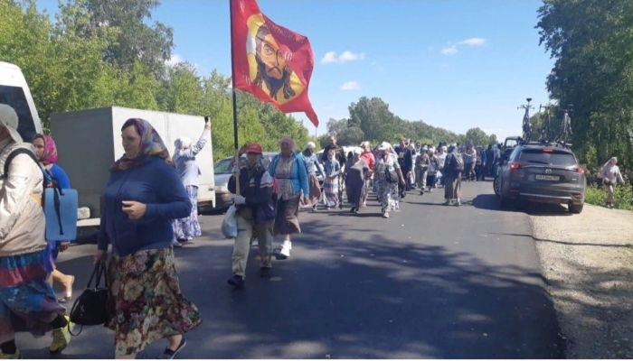 Организаторов крестного хода в Коробейниково не накажут