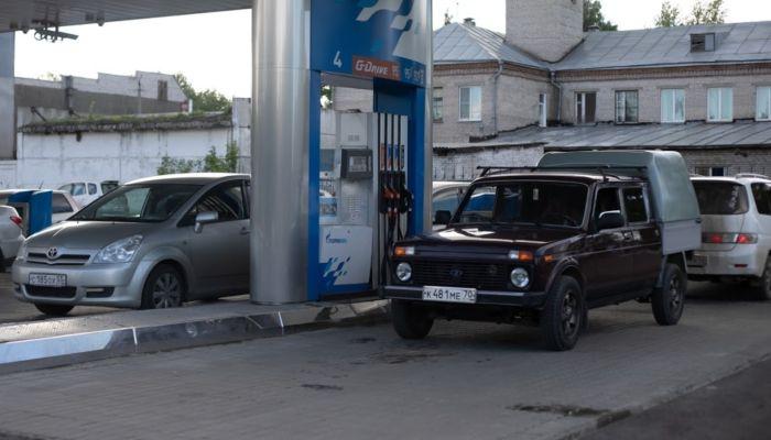 Дефицит бензина может больно ударить по ценам и ситуации в трети районов края