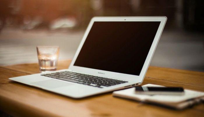 Электронные трудовые книжки начнут действовать в России с 2021 года