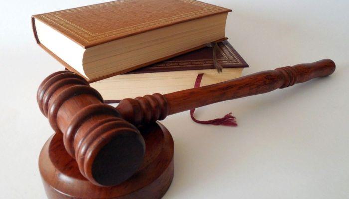 Бийчанка подала в суд на чиновника из-за долга в 500 тысяч рублей