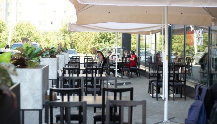 Не ругайте летние кафе. Как общепит Барнаула выдерживает ударный наплыв гостей
