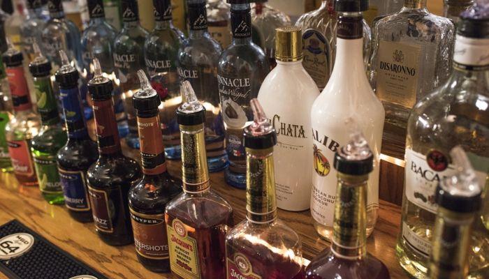 В России хотят повысить минимальные цены на водку и коньяк