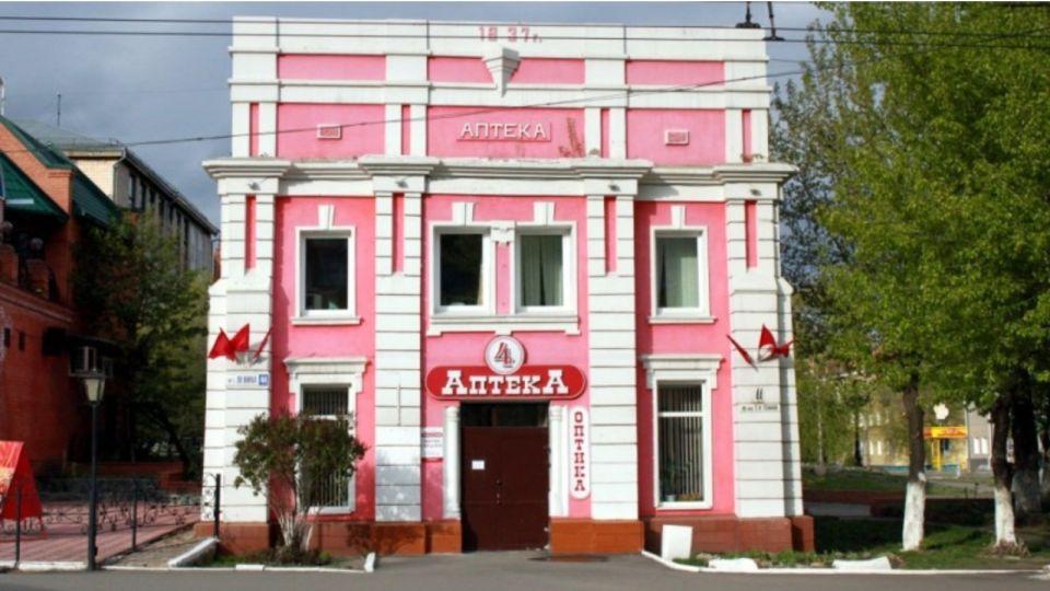 Здание бывшего католического костела в Барнауле