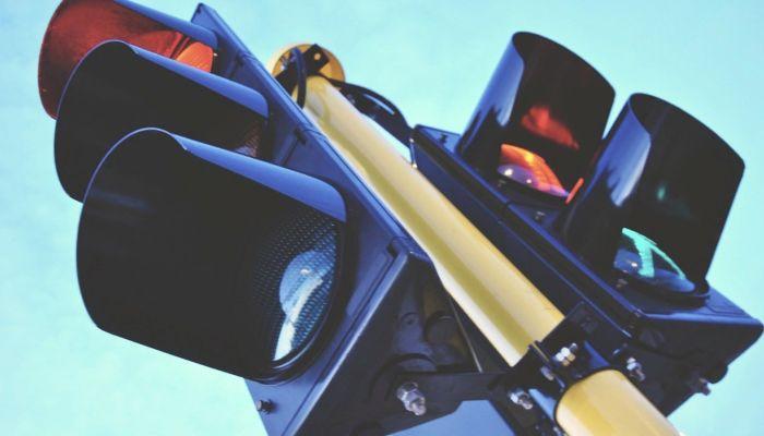 Светофоры временно отключат 24 июля на пяти перекрестках Барнаула