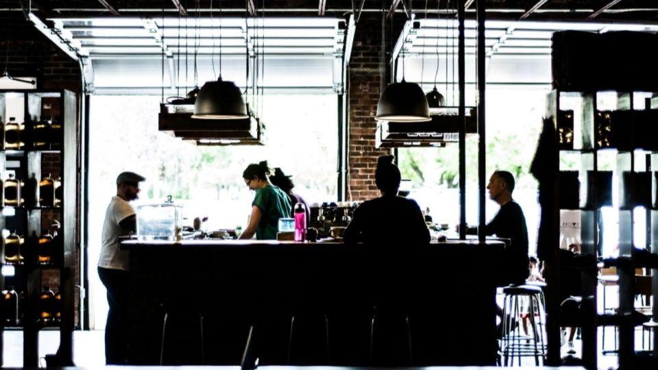 """""""Устали от безденежья"""": барнаульский ресторатор просит Томенко открыть общепит"""