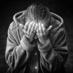На Алтае мужчина изнасиловал пенсионерку при её муже-инвалиде