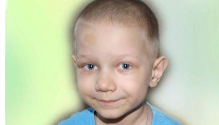 В Барнауле собирают средства на лечение пятилетнего ребенка с онкологией