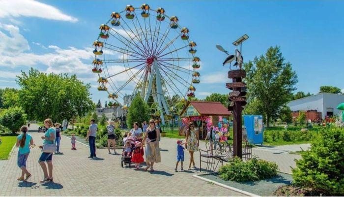 Владельцы алтайских парков просят хотя бы на месяц открыть аттракционы