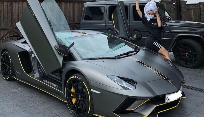 Подписчики раскритиковали Ивлееву за покупку Lamborghini за 20 млн рублей