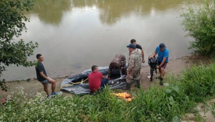 В Рубцовске после гибели троих детей продолжают купаться на небезопасных пляжах