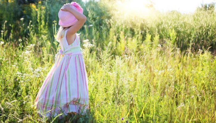 В алтайском селе 15-летний подросток домогался четырехлетней девочки