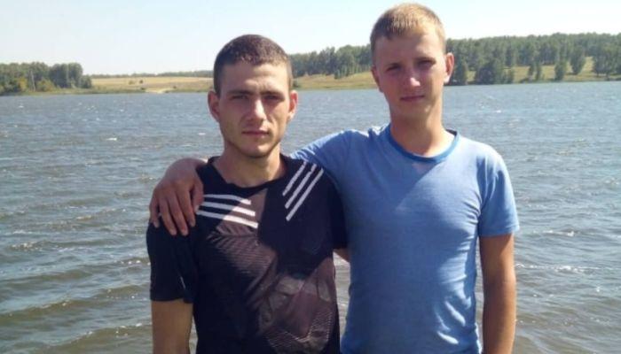 На Алтае школьник три раза нырял на дно озера за тонувшим другом