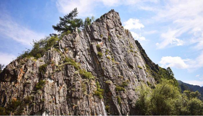 Туристка умерла в пешем походе в Республике Алтай