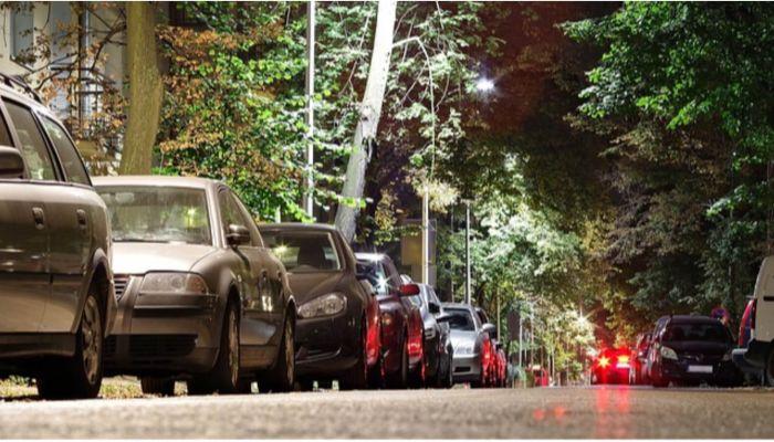 Автовладельцы в Алтайском крае перестали пользоваться ночными парковками
