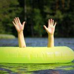 Мама не увидела: сразу двое детей утонули в Новосибирской области