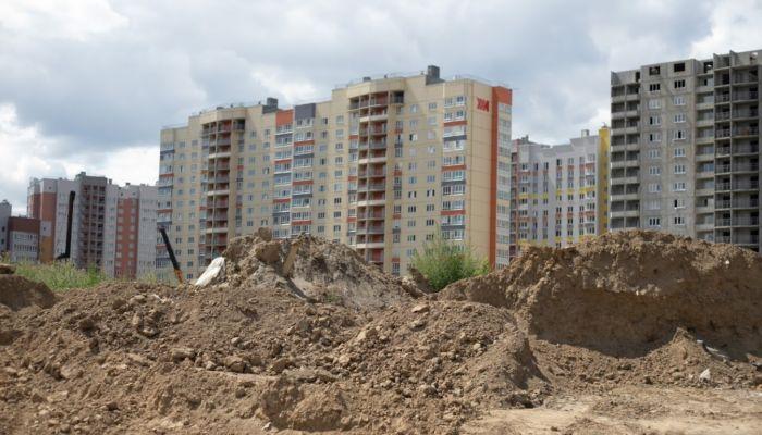Барнаульские строители стали массово затягивать сроки ввода домов
