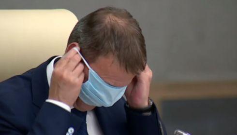 Я тоже посмеялся. Мэр Барнаула прокомментировал видео с маской на глазах