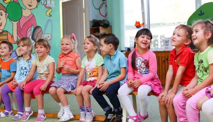 Вернутся в группы: в течение недели детсады Алтайского края возобновят работу