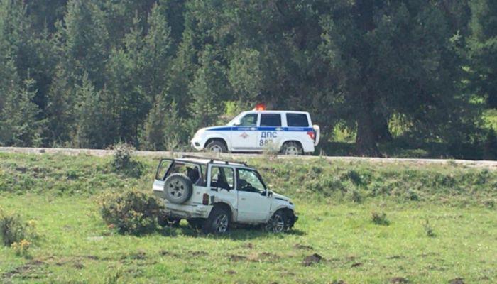 Туристы из Барнаула перевернулись на машине в горах Алтая - ребенок в больнице