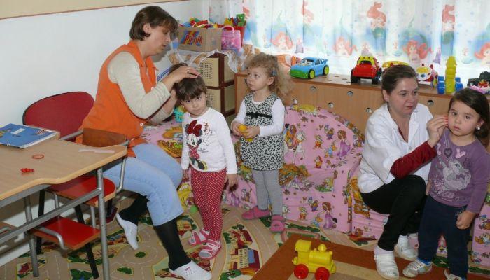 Минздрав поправил сам себя: справку для возвращения в детсад нужно брать всем