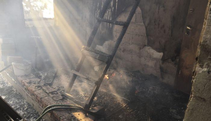 Барнаульская семья семь лет строила дом в кредит и стала жертвой пожара