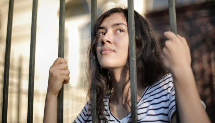 В алтайских тюрьмах осужденным разрешили короткие свидания с родными