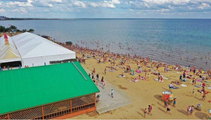 Пляж Ярового вновь зазывает на дискотеку после неудачи с Бузовой