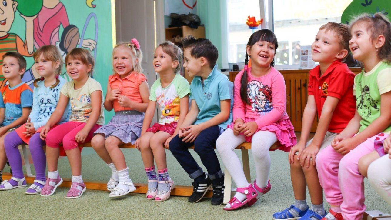 """Без дежурных групп: в детсадах Барнаула вводят """"опасный"""" для родителей режим"""