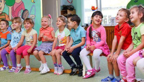Без дежурных групп: в детсадах Барнаула вводят опасный для родителей режим