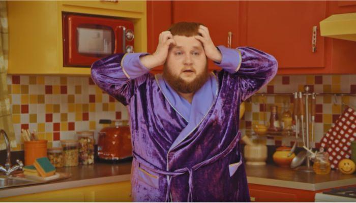 Алтайский Пухляш снялся в новом клипе Little Big - на этот раз он не танцует