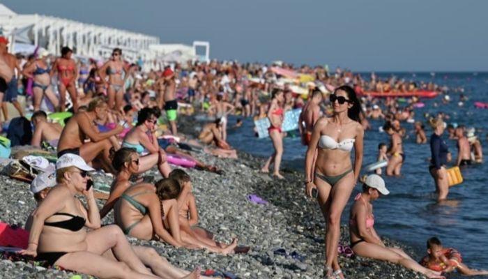 Туристический коллапс в Сочи: с начала сезона город принял 1,5 млн людей
