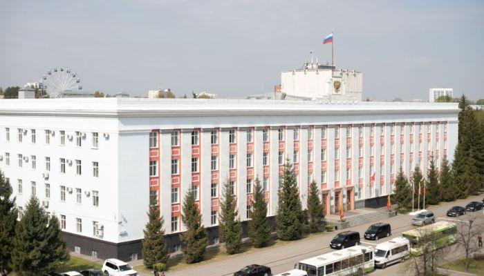 Какими автомобилями владеют самые высокие чиновники Алтайского края