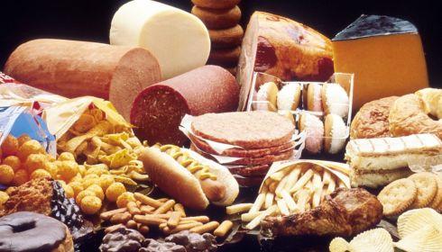Антирейтинг еды: алтайский врач объяснила вред соли, толчёнки и манной каши
