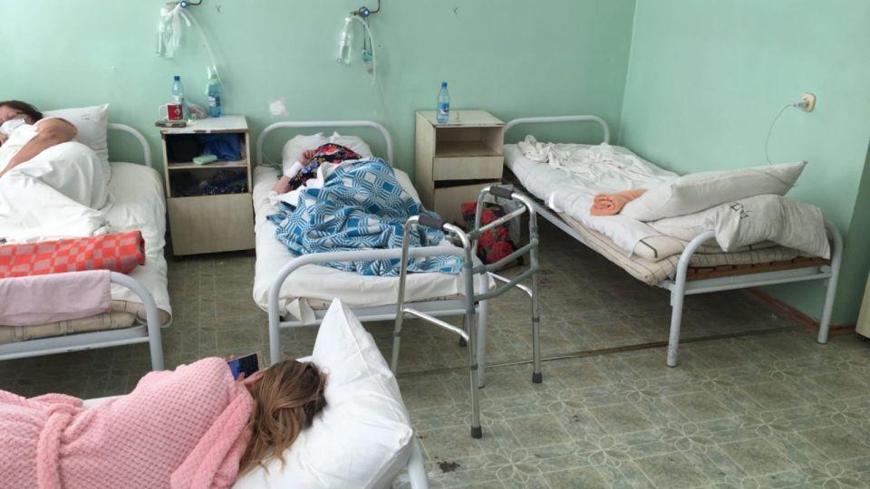 Разруха и тараканы: барнаульцы пожаловались на состояние горбольницы