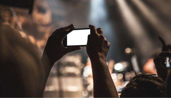 На дне города Барнаула запланирован концерт известного артиста