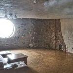 Двухкомнатную квартиру-пещеру продают в барнаульской многоэтажке