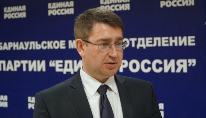 Замглавы Барнаула Юрий Еремеев отказался от иска к мэрии