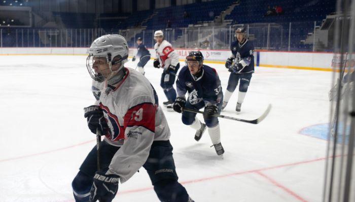 Хоккей вернулся в Барнаул после большого коронавирусного перерыва