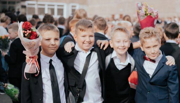 Не входим: почему школы на фоне пандемии не могут перейти в режим одной смены