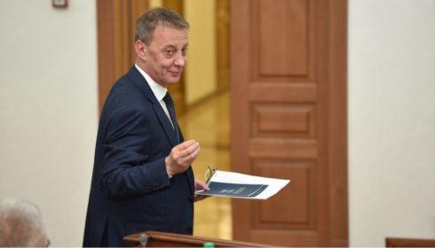 Вячеслав Франк омолодил градосовет депутатом, архитекторами и чиновниками