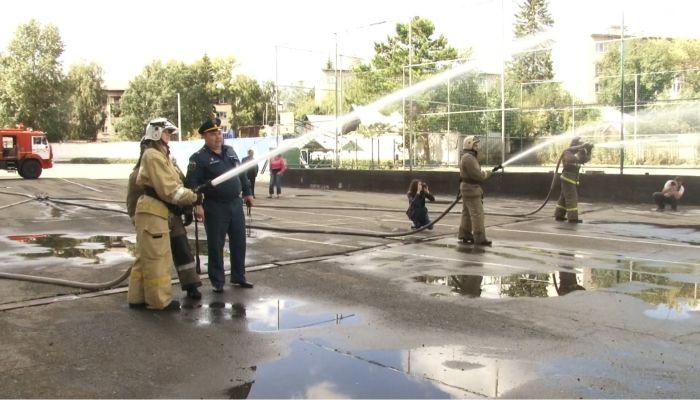 Стали пожарными на 1 день. Журналисты Толка поучаствовали в масштабных учениях