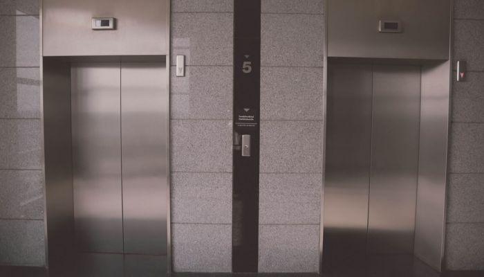 На замену лифтов в алтайских многоэтажках потратят 220 млн рублей